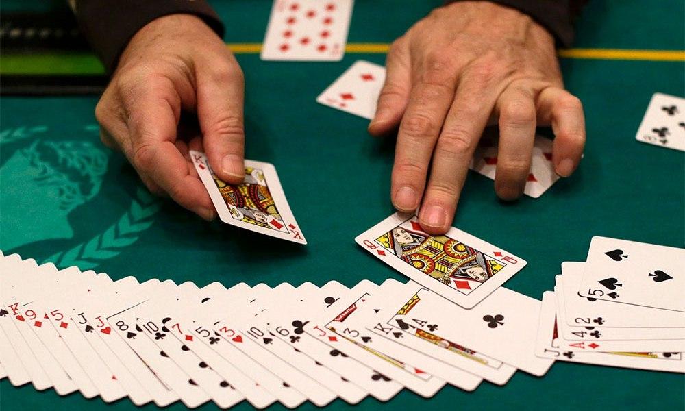 Cara Bermain Permainan Poker Online serta Aturannya